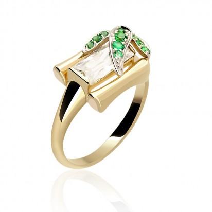 Złoty pierścionek z cyrkoniamii.
