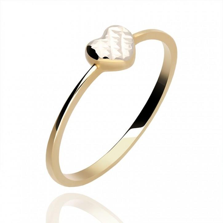 Złoty pierścionek serduszko.