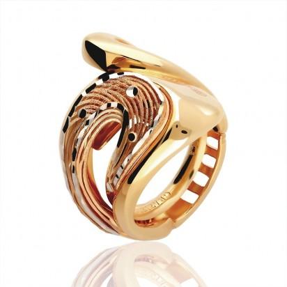 Złoty pierścionek włoskiej firmy Graziella.