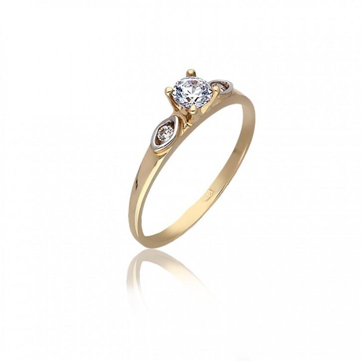 Pierścionek złoty na zaręczyny.