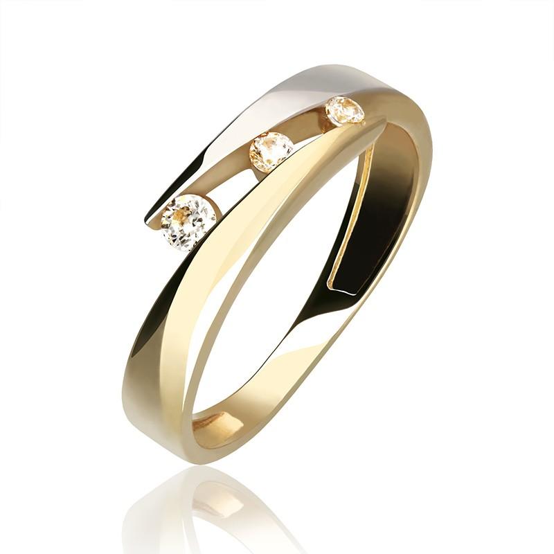 85842a89c7351f Pierścionek z żółtego i białego złota z trzema cyrkoniami. Loading zoom