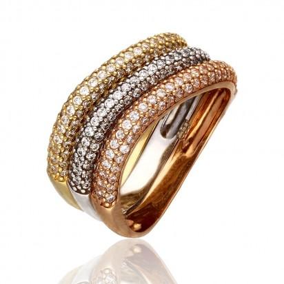 Złoty pierścionek wypełniony cyrkonami.