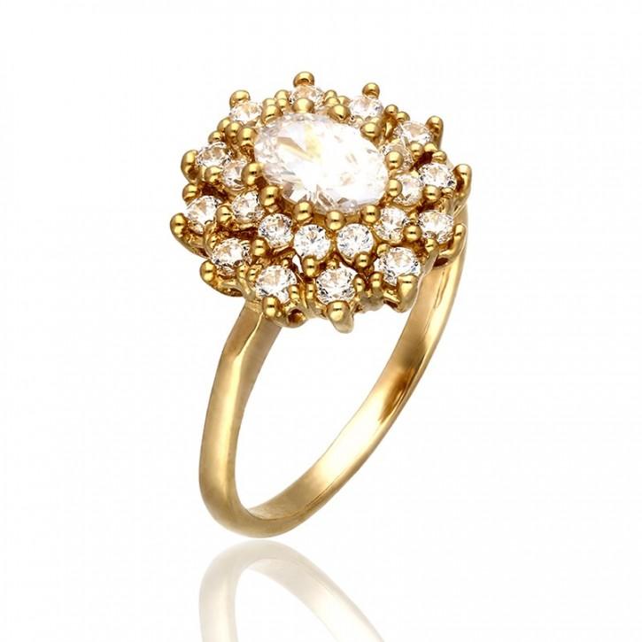 Złoty pierścionek na wzór kwiatu.