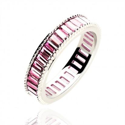 Pierścionek srebrny z różową cyrkonią.