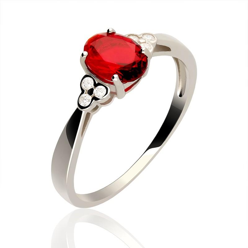 15a5f00b0158 Pierścionek srebrny z czerwoną cyrkonią - Gold4U