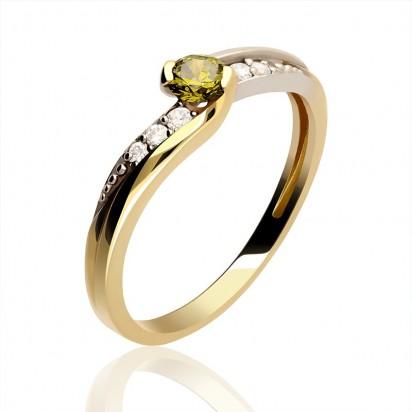 Pierścionek złoty z oliwkową cyrkonią.
